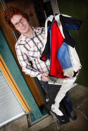 Nu måste Johan Lundkvist köpa in ett nytt ställ – till en kostnad av 10 000–15 000 kronor.