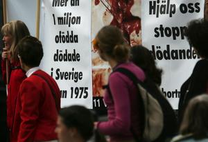 Bilden är från en demonstration som antiabortorganisationen MRO höll i Göteborg för några år sedan.