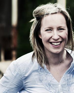 Johanna Bölja-Hertzberg håller kulningskurs på Sveriges första spelhenstämma som arrangeras i Oslättfors i helgen.