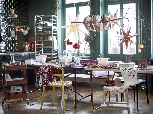 inspiration från 1970-talet. Senapsgult och grönt sticker kanske i ögonen på minimalisten – men till jul är det de färgerna som sitter på trendkartan. Foto: Ikea