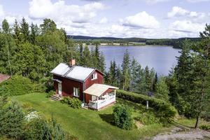 Detta fritidshus i Sörbo tog sig in på tionde plats bland de mest klickade dalaobjekten på Hemnet under vecka 36.