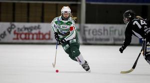 Malin Persson i semifinalen mot SAIK.