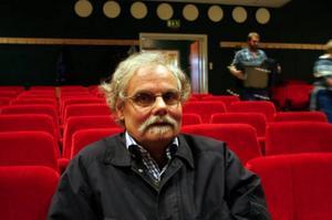 Än finns inte pengarna på Bergsjö Bios konto. Ulf Sundblad förklarar att först ska gjord upphandling av en digital anläggning godkännas av länsstyrelsen.