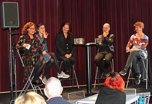 Debatt om sexism inom operavärlden  i Teatercafeet på Västmanlands Teater. Ebba Witt-Brattström, Gunilla Brodrej, Pers Anna Larsson, ochNiklas Hjulström debatterade och Sofia Nyblom modererade.