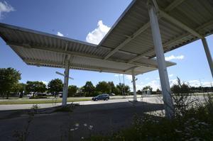 Bara skärmtaket kvar. Men snart ska Q Star etablera en ny automatstation på platsen. Bild: Lars-Göran Månzon