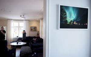Pär som är yrkesverksam fotograf lyckades fånga ett fantastiskt norrsken över huset förra hösten.