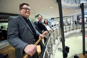 Mattias Rådbo, präst, P-O Byrskog, präst, och Tina Gregori Eriksson, diakon, är medarbetarna i Svenska kyrkans nya satsning i Kupolen.