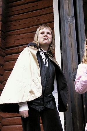 Melinda Larshans var utklädd till den blodtörstande vampyren Dracula i låten Spökrock.