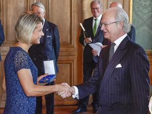 Jenny Rissveds tilldelades H. M Konungens medalj för sin framgång i OS i Rio de Janeiro i somras.