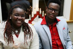 Esther Klairimu och Brian Mungai hade roligt på fina festen.
