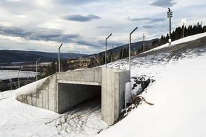 Skidtunneln under Gästrappet har breddats med 30 meter och skapat en säkrare planskild korsning för skidåkare.