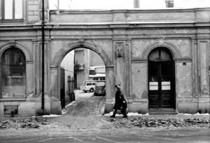NYGATAN 1970. Långt framskridna rivningsplaner hotade det anrika svarveriet i kvarteret Kärrlandet.