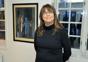 Äldre människor förekommer ofta i Eva Jonssons motiv. Inspirationen har hon fått genom sitt arbete inom hemtjänsten, säger hon.