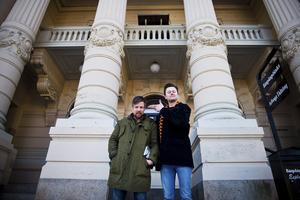 Köpingssonen Filip Hammar och Fredrik Wikingsson har länge förberett filmen Tårtgeneralen, baserad på deras bok om Köpingsprofilen Hasse P.