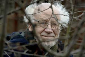 I Sverige har naturen traditionellt spelat en stor roll i litteraturen, tack vare författare som Kerstin Ekman, Harry Martinson, Dan Andersson och Werner Aspenström.