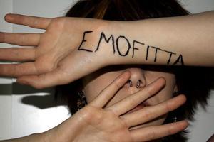 En grupp ungdomar har utsatts för trakasserier för att de inte ser ut som alla andra.