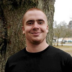 Oscar Matti, Liberala Studenter vill se ett starkare försvar.