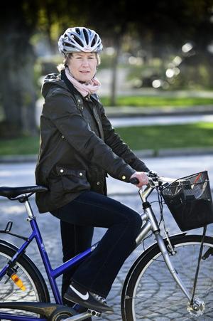 I cykelstaden Örebro. Det behövs mer ödmjukhet i trafiken, säger Lena Sannerholt.BILD: JONAS ERIKSSON