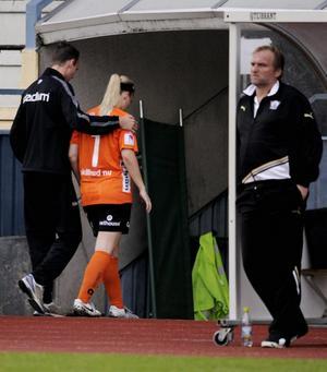 Kifs målvakt Maria Björg Agustdottir skadade sig efter bara tio minuter och kunde inte spela vidare.