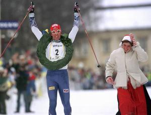 1999 vinner Staffan Larsson Vasaloppet. Nu delar han med sig av sina kunskaper.