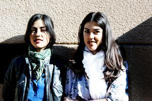 Ivonne och Marcela Contardo. Tvillingar med chilenskt påbrå som satsar hårt på att få göra karriär i popbranschen.