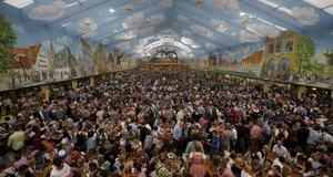 Över 10 000 ölentusiaster i samma tält.