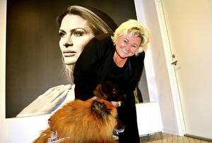 Camilla Falgén har just intagit lokalerna i Gynning Designs huvudkontor och lager i Sundsvall. Där ska hon se till att företaget fortsätter växa enligt planen.