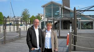 Ser fram mot en massa jobb. Nicklas Nore och Louise Lundmark har letat efter ett gemensamt projekt att driva som familje-företag, och fann Öster mälarstrands krog och café.
