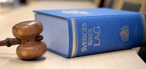 En ung man är misstänkt för två fall av sexuellt ofredande.Foto: Anders Wiklund / TT