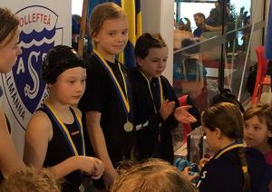 Nike Edén samlade på sig hela sex medaljer under helgens simtävlingar i Sollefteå.