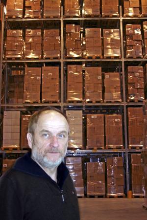 Lager. Berndt Wiktorsson, lagerchef på OBH Nordicas centrallager i Finnerödja.     BILD: TOVE SVENSSON