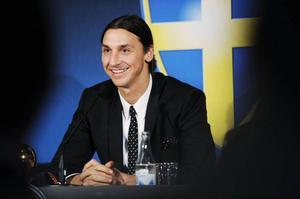 Zlatan Ibrahimovic mottog guldbollen för åttonde gången i år. Biografin