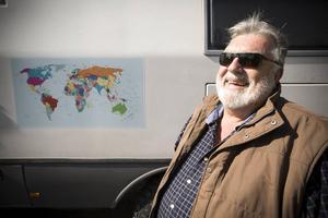 Robert har en karta på fordonet där han med spritpenna markerat alla mil de rest. En stor del av världen är ritad på.                  – Mongoliet och Skandinavien är favoriterna än så länge, säger han.