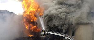 Nattklubben CH och det intilliggande hotellet totalförstördes i branden.