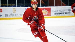 Emil Pettersson är klar för två år i Modo Hockey.