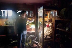 Rör inte dockan... Patrick Wilson är demonologen Ed Warren i james Wans rysare