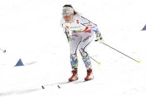 ... och Charlotte Kalla tävlar i Finland under den fullmatade vintersporthelgen.