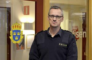 Extra polisinsatser görs nu i Nacksta, berättar förundersökningsledare Henrik Blusi.