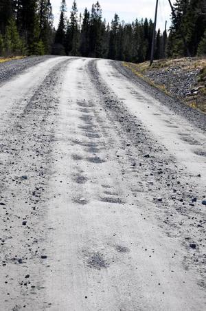 Dålig väg är en av orsakerna till att Huså hamnat i bakgrunden av Åre, skriver Stig D.