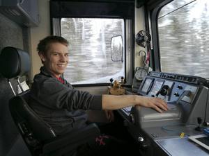 Cim Nylén, glad lokförare på nysatsande Inlandsbanan.
