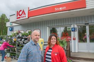 Syskonparet Olle Svedberg och Anna Svedberg Ohlsson har ägt och drivit Ica Nära i Stugun i lite drygt 15 år. Nu tänker de lägga stora slantar på att bygga ut och fräscha upp butiken.