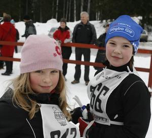 Andrea Wretling och Agnes Nordling skulle också åka 2,5 kilometer. De hade tränat hårt inför loppet.– Jag brukar träna här tre gånger i veckan, säger Agnes Nordling.