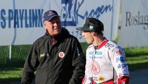 Mikael Teurnberg är nöjd med GP-tävlingen i Hallstavik. Här med Max Fricke som slutade fyra i finalen.