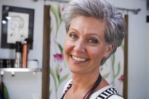 Pia Möller-Andersen har jobbat som frisör i snart 30 år. Hon lade till barberare till sina färdigheter förra året.
