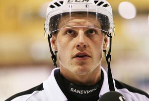Erik Pettersson blickar österut.