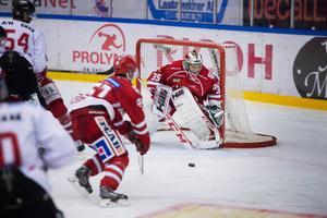 Emil Pettersson fastställde matchens slutresultat med sitt mål i tom bur.
