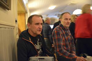 Vänsterpartisterna Gunnar Eklöf och Göran Wåhlstedt var på plats i Moliden. Bara ett parti saknade representanter.