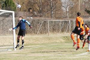 Dan Griffiths frispark från vänster letade sig in i högra krysset bakom Alsens målvakt Mikael Nilsson.