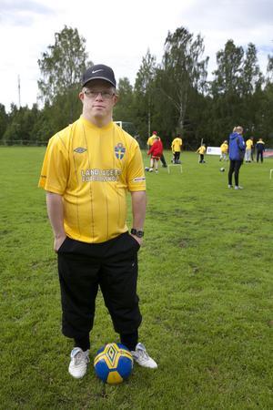 Peter Bengtsson som inledde sin semester med fotbollsskola och ser fram mot ytterligare ledighet på västkusten.