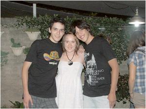 Vänner från skolan Gaston Di Marco och Exequiel Trinidad vid min sida. Bild: Privat.
